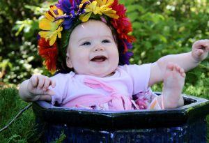 1159030_flower_pot_girl